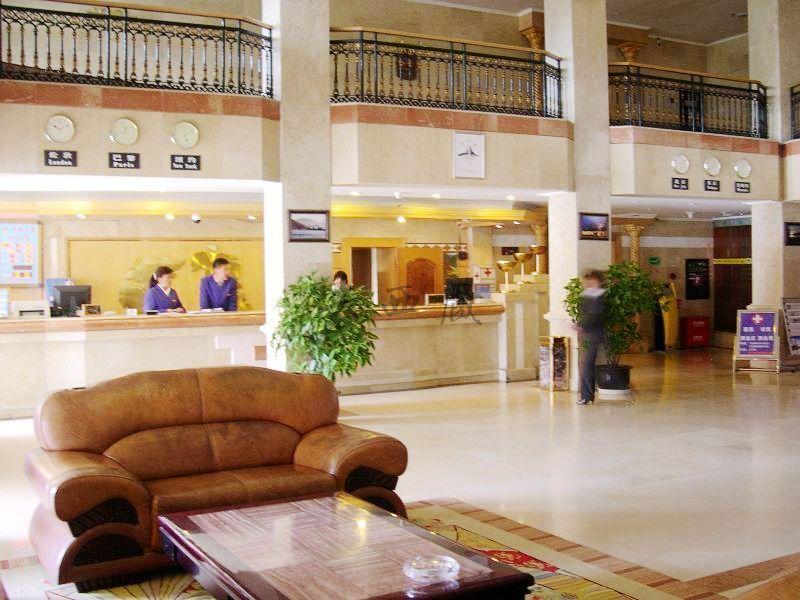 西藏大厦酒店大厅
